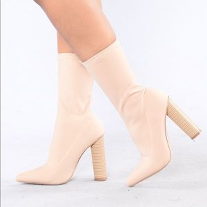 Fashion Nova King of Me Boot (nude) (size 7.5)